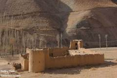 نمایی از یکی از قلعههای به جای مانده با قدمت صد ساله در ولسوالی سنگتخت و بندر