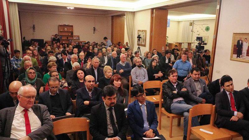 دانشنامه هزاره و بحران هویت نسل نو